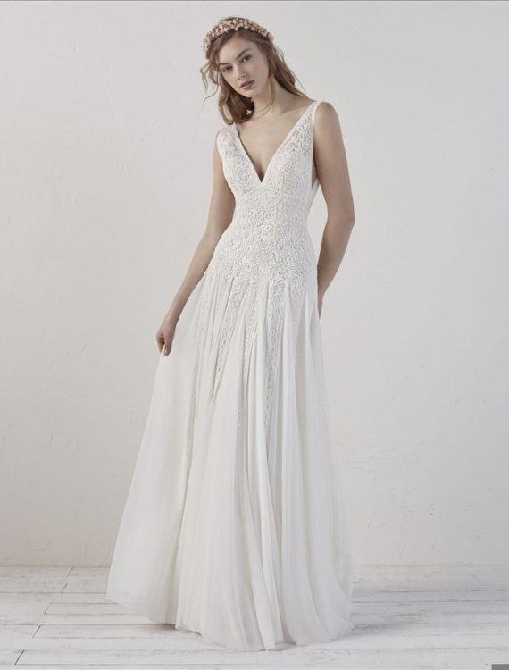Trouwjurk Eileen van Pronovias bij Honeymoonshop 1